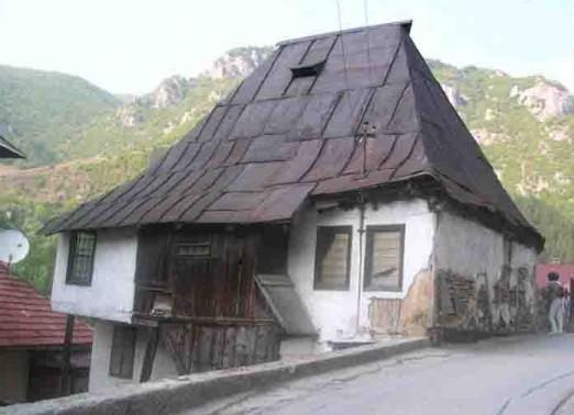Travnik turismo nell 39 antica capitale viaggiare i balcani - Finestre a bovindo ...