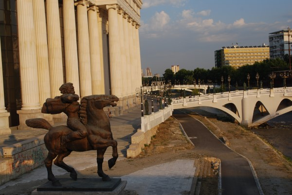Skopje, Alessandro Magno e l'affabile kitsch